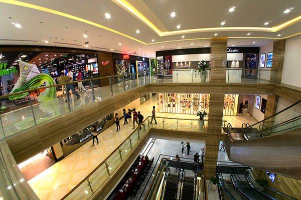 Trung tâm thương mại hiện đại